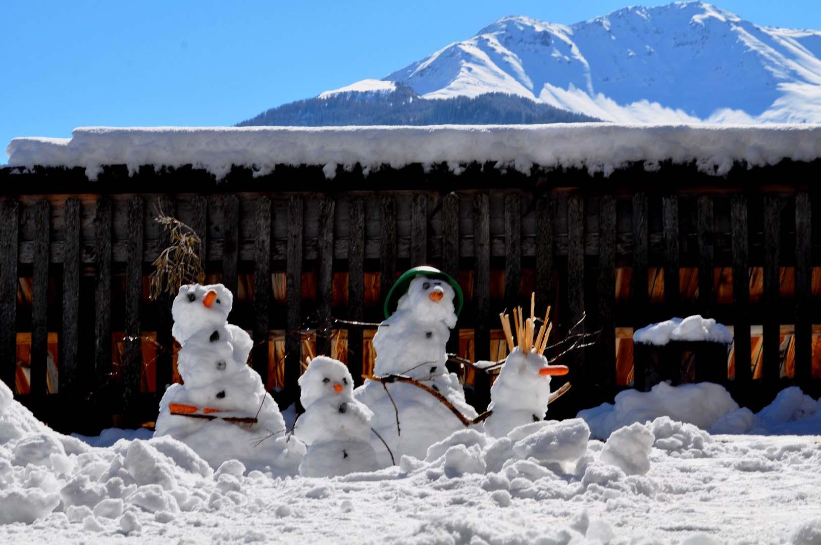 Kids Art Schneemänner auf der Panoramaterrasse